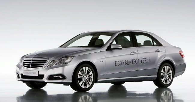 Mercedes E 300 BLUEtec Hybrid.    Fuente: Motorpasionfuturo