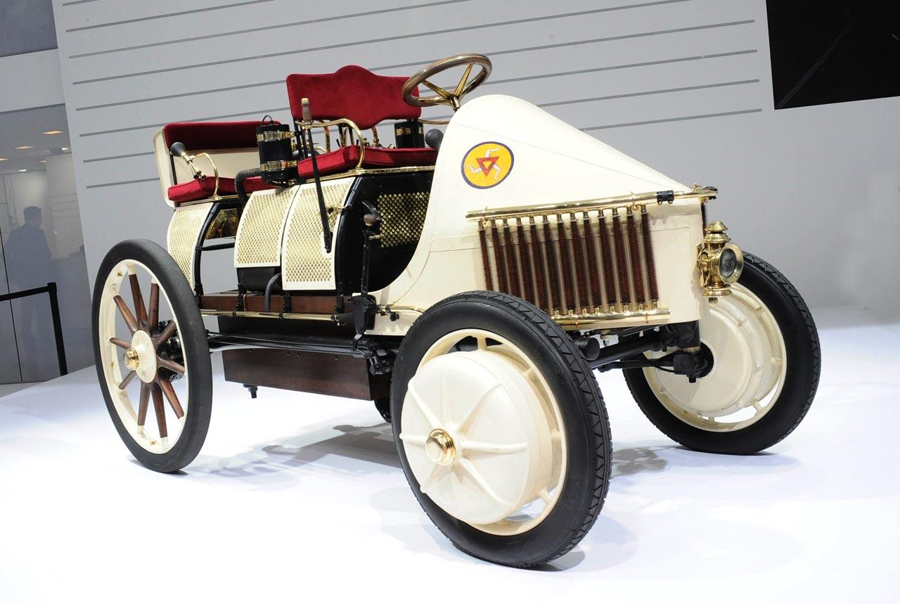 Porsche Semper Vivus. Primer vehículo híbrido de la historia.         Fuente: Gmotors